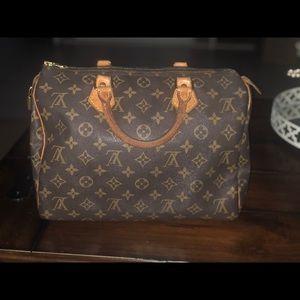 ***Authentic*** Louis Vuitton Speedy 30 Handbag!